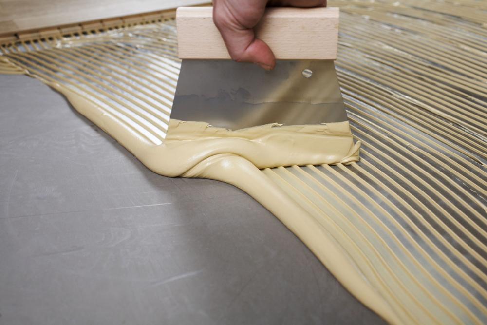 Concrete tips voor het verlijmen van houten vloeren artikel